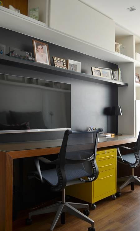 RG - Exclusiva. Décor. Projetos residenciais com paredes pretas. Apartamento assinado por Eliane Fiuza. Foto: Divulgação / Divulgação