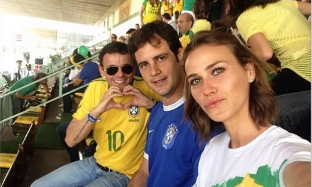 A modelo Renata Kuerten arriscou um selfie dentro do Itaquerão Instagram