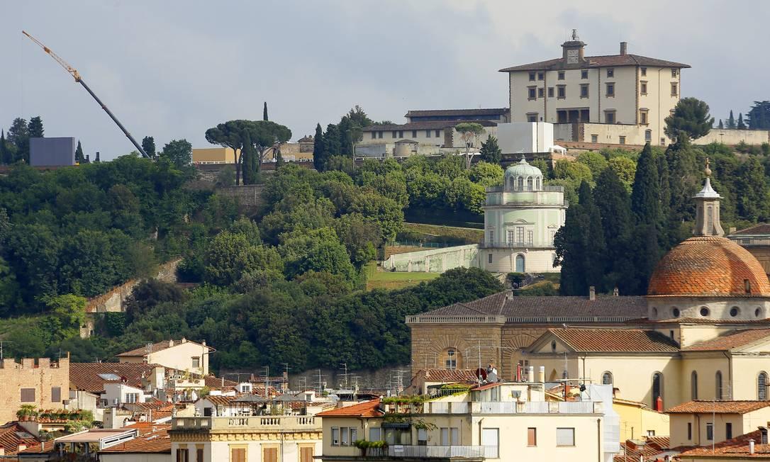 No topo da foto, o Forte Belvedere, onde acontece a cerimônia. Segundo a agência AP, o espaço, construído no século XVI, foi alugado por 300 mil euros, cerca de R$ 1 milhão Fabio Muzzi / AP