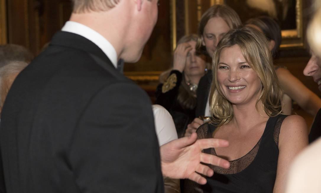 Kate Moss sorri para William: príncipe recebeu celebridades e filantropos para jantar no Castelo de Windsor Doug Seeburg / AP