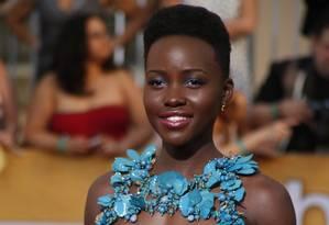 Lupita virou queridinha do povo da moda e inspira seguidoras Foto: LUCY NICHOLSON / REUTERS