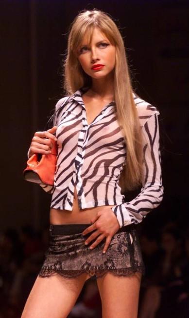 Em 1999, Ana Claudia Michels já era dona de um dos corpos mais bonitos do mundo da moda Leonardo Aversa/ O Globo