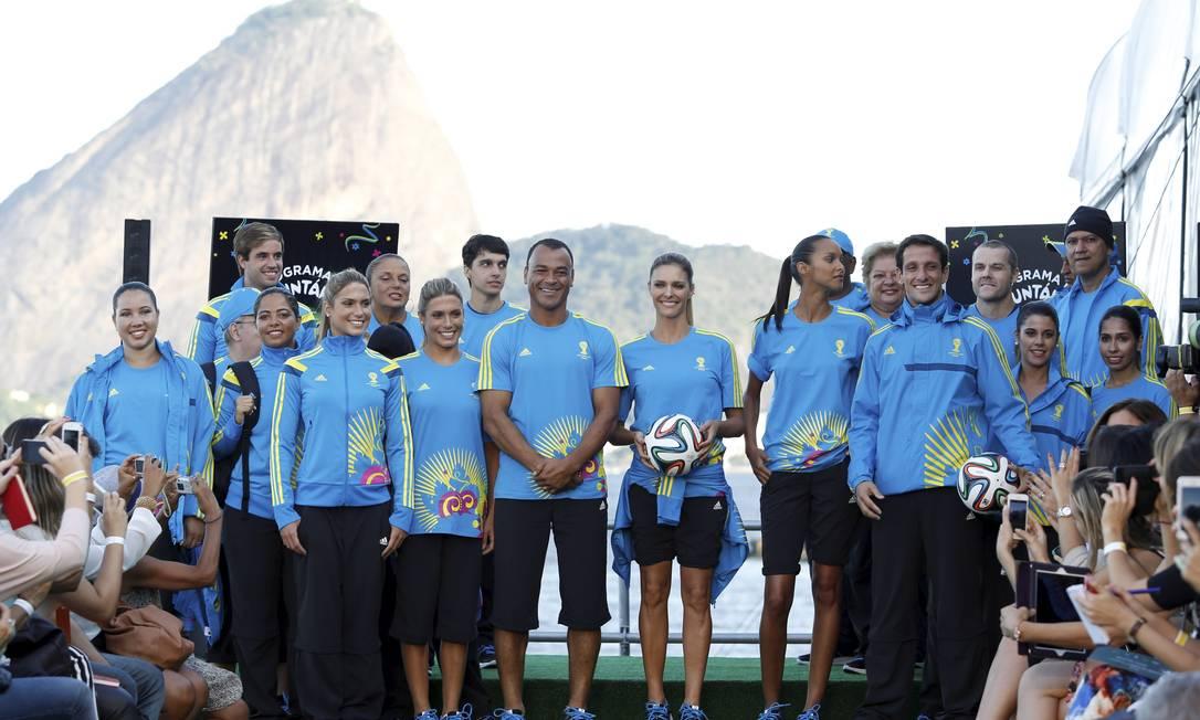 O uniforme é produzido pela Adidas, que também é responsável pela bola oficial da Copa do Mundo, a Brazuca Fabio Rossi / Agência O Globo