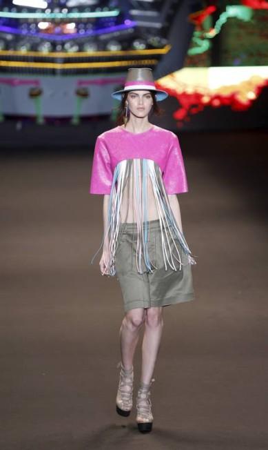 A Espaço Fashion foi além e apostou em loongas franjas neste top cropped Fabio Rossi / Agência O Globo