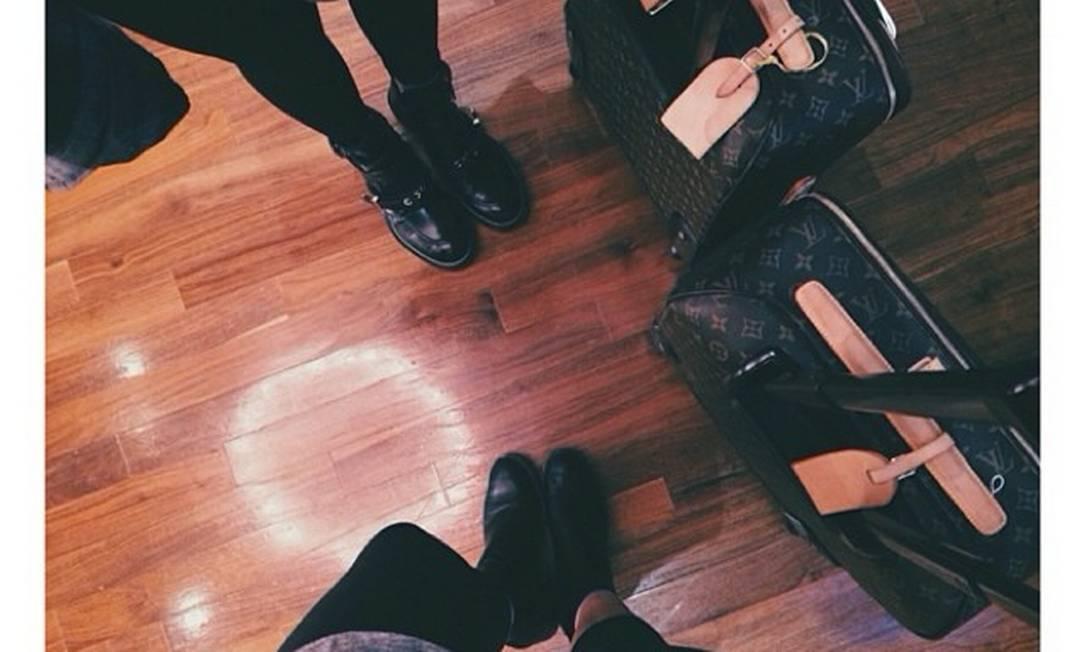As irmãs Kardashian viajaram com a mala-ícone-de-estilo da Louis Vuitton Reprodução Instagram