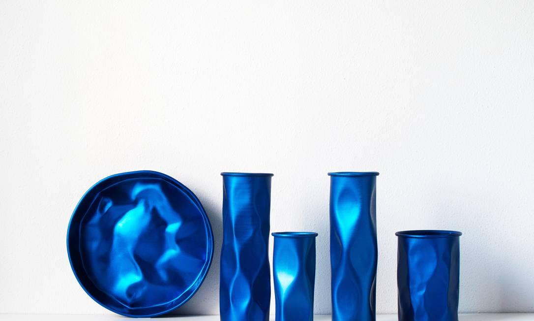 Coleção Batucada: versão em azul andré carvalho / Divulgação
