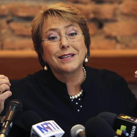 Sofía Henríquez, filha caçula da presidente chilena, Michelle Bachelet (foto), teve o celular roubado quando saltava de um ônibus Foto: REUTERS/13-8-2013