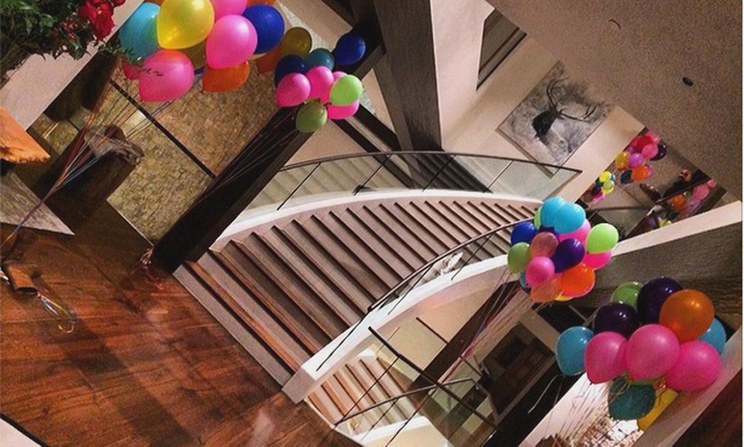 Dois dias antes da data especial, Rihanna mostrou que a casa já estava toda decorada para a festa Instagram