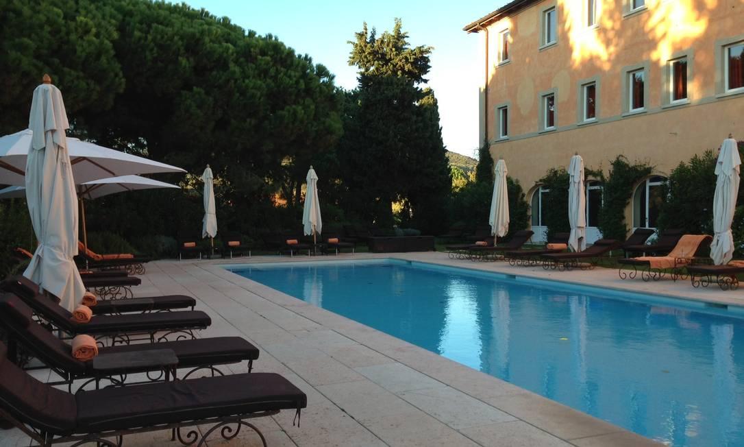 A piscina do hotel Renata Araújo