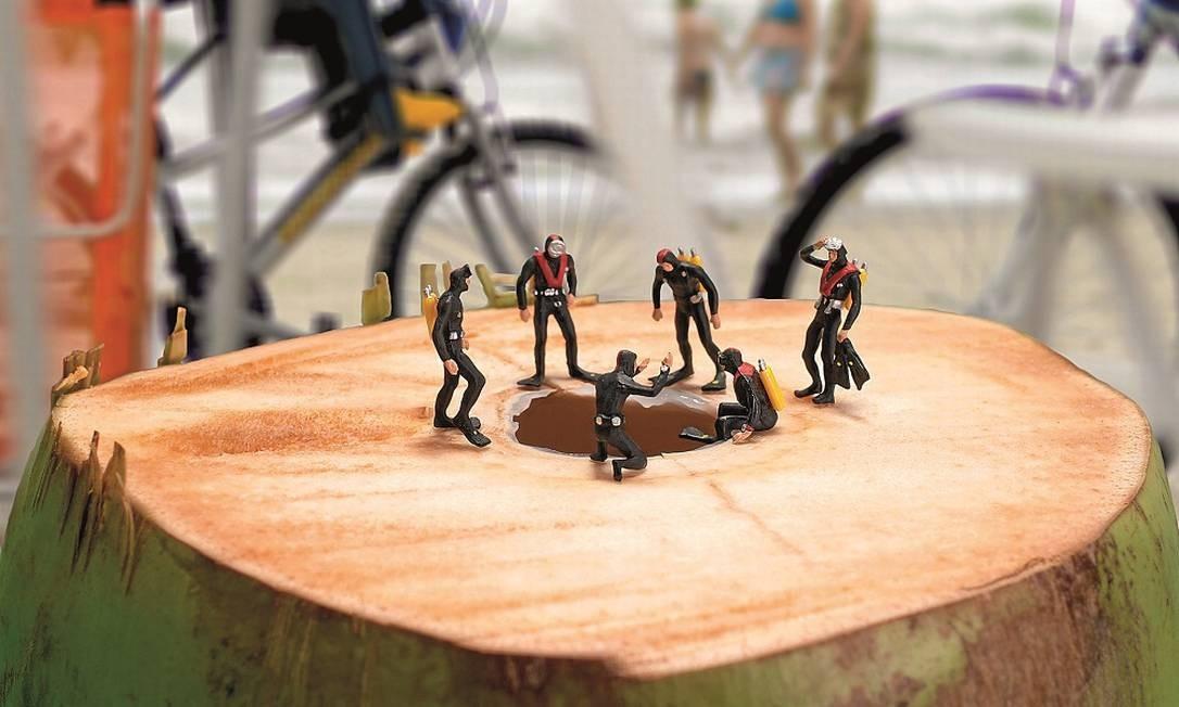 Mergulhadores em coco Foto: Terceiro / Reprodução