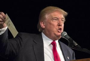 Trump exibe número de Graham em discurso: linha era verdadeira Foto: Stephen B. Morton / AP