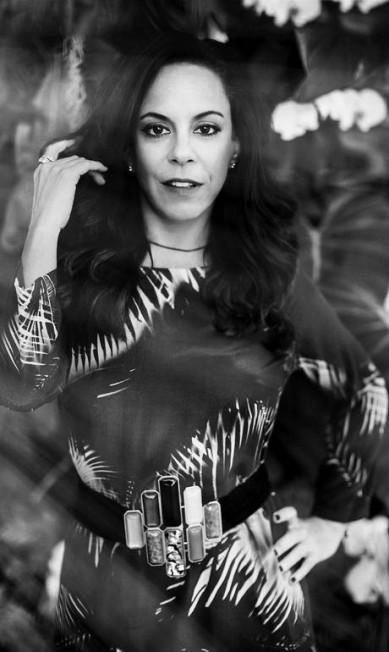 Bebel usa vestido Leeloo (R$ 578) e cinto Virzi+Deluca R$ 760 Foto de Eduardo Rezende / Coordenação de moda: Melina Dalboni. Produção: Rogério S. Assistente de produção: Carla Ferraz. Beleza: Dani Kobert. Agradecime