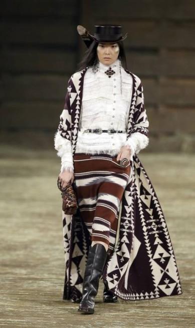 Dallas, no Texas, recebeu na noite de terça-feira o desfile da coleção Metiers d'Art da Chanel Tony Gutierrez / AP
