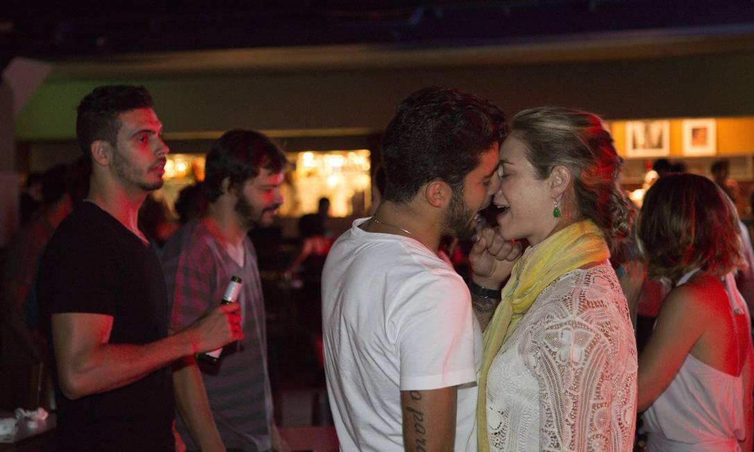O casal, que trocou alianças em julho deste ano, mostrou que a paixão entre os dois segue firme e forte Leo Martins / Agência O Globo