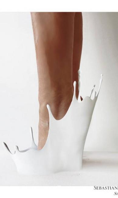 O sapato nos pés de uma modelo Divulgação
