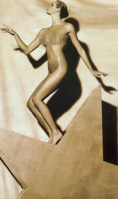 Elle em clique de Herb Ritts, o preferido das tops na hora de tirar a roupa Reprodução / Playboy