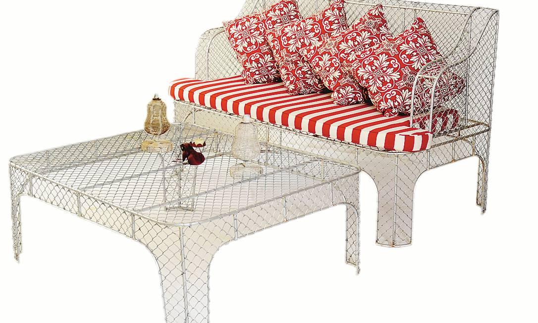 Sofá e mesa aramados: R$ 2.350 e R$ 1.700 na Arteiro (http://www.arteiro.com.br/) Terceiro / Divulgação