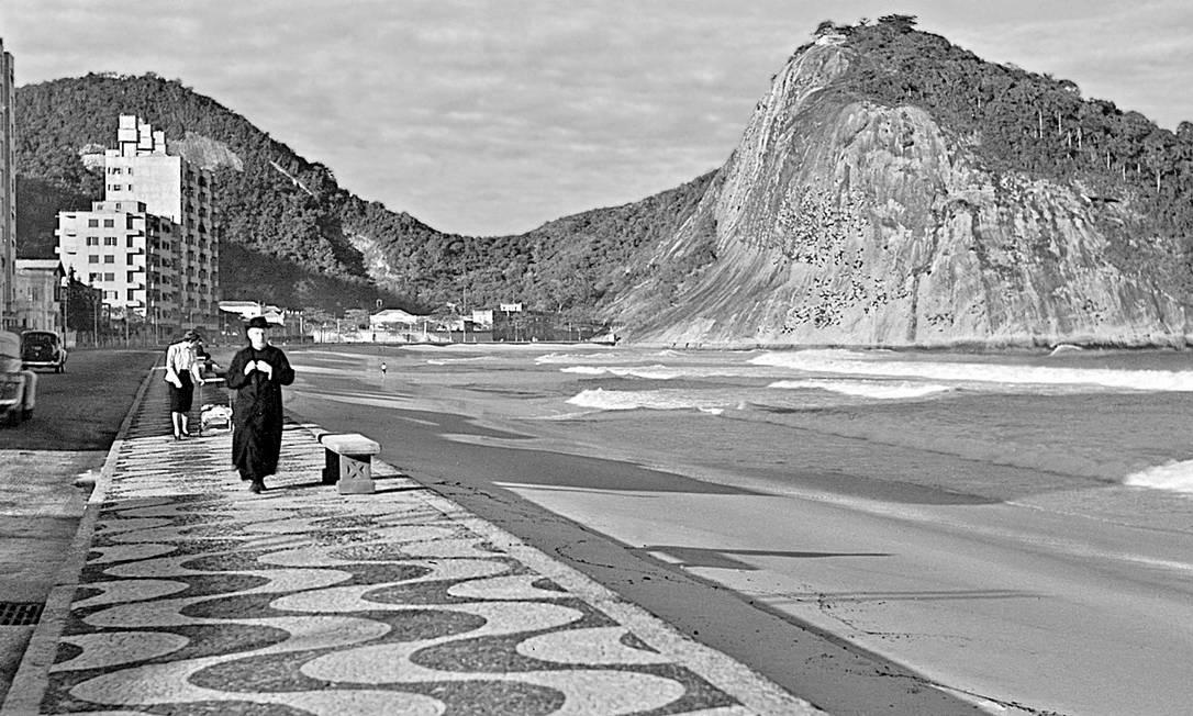 Genevieve Naylor chegou ao Rio de Janeiro em 1940 e foi embora em 1942. Neste período, ela fotografou o calçadão de Copacabana, corridas de cavalo no Jockey, veleiros e iates na Baía de Guanabara e as obras de caridade da então primeira-dama Darcy Vargas. Genevieve Naylor