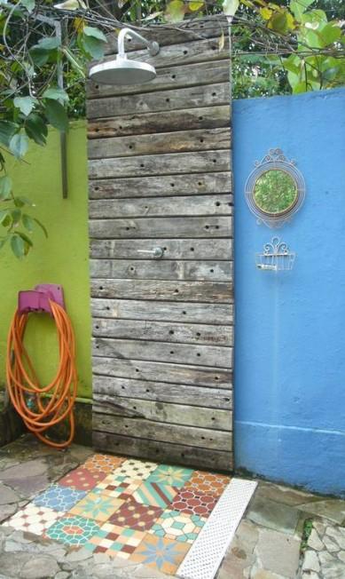 Madeira e ladrilho hidráulicona casa de Beatriz Kato Terceiro / Divulgação