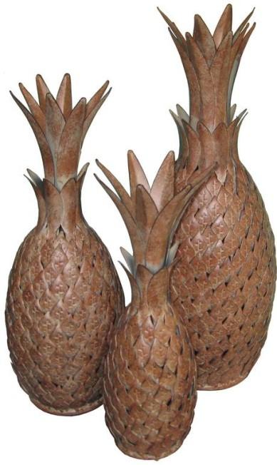 Abacaxi de lata, em três tamanhos, da Arteiro (R$ 190, R$ 210 e R$ 250) Terceiro / Divulgação