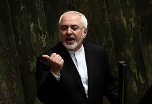 Chanceler iraniano, Mohammad Javad Zarif fala no Parlamento nesta terça-feira sobre o acordo nuclear Foto: BEHROUZ MEHRI / AFP