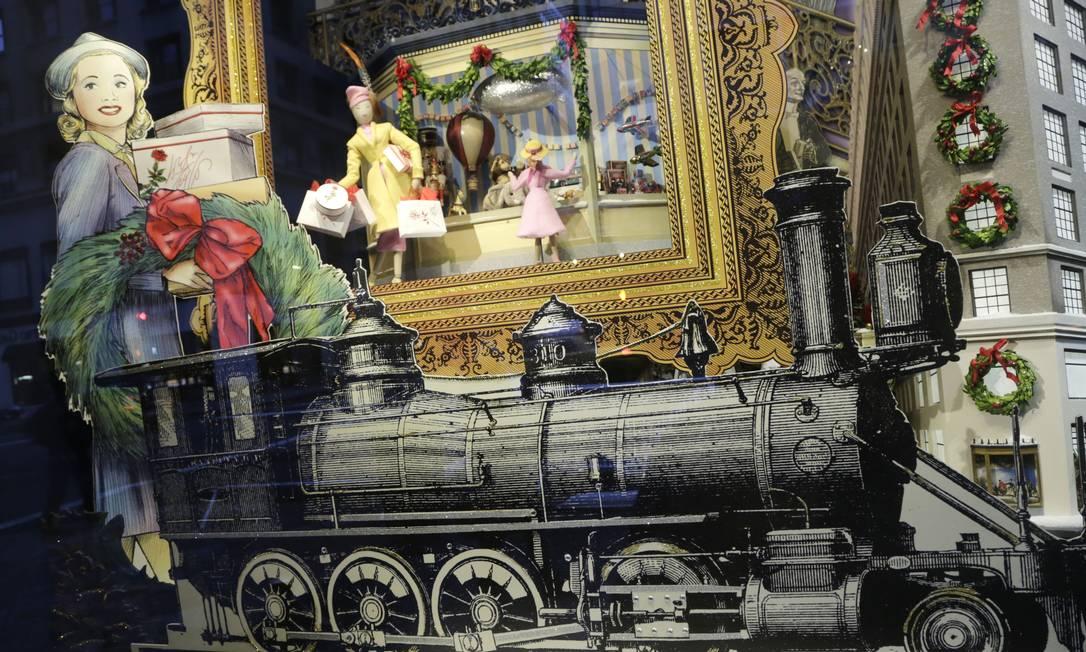 Definitivamente, o Natal já começou. É só olhar as vitrines das grandes avenidas de Nova York para entrar no clima da data. Deocrações caprichadas, que são verdadeiras obras de arte, atraem compradores e transeuntes, que não se cansam de admirar as criações. Esta, por exemplo, é da Lord & Taylor Mark Lennihan / AP