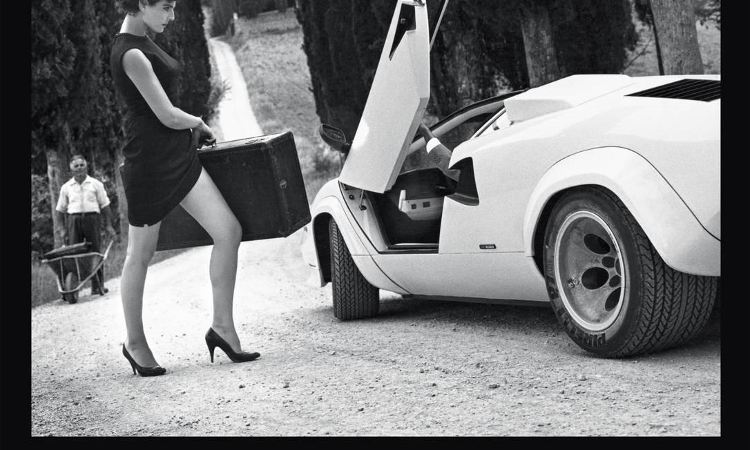 Para lançar a folhinha 2014, a empresa italiana levou modelos que fizeram a história da publicação: Karolina Kurkova, Alek Wek, Bianca Balti, Carmen Kass, entre outras Divulgação