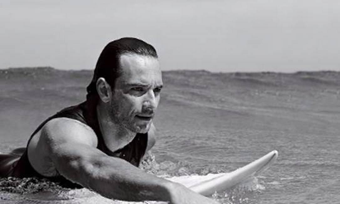 Surfando: atravessar as ondas era sonho de infância Terceiro / Christian Gaul / Divulgação