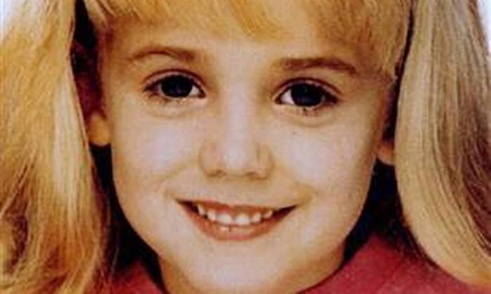 JonBenét Ramsey, pequena miss encontrada morta no porão de casa. Foto: Reuters
