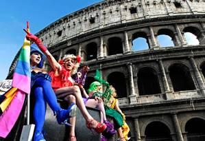 Desfile da Parada Gay em Roma Foto: Reuters