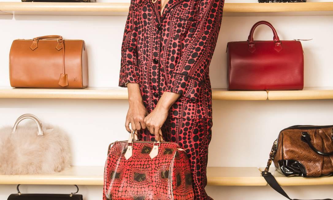d32e54655 Obsessão-fashion: pijama, bolsa e sapatos Louis Vuitton e colar Lanvin; ao