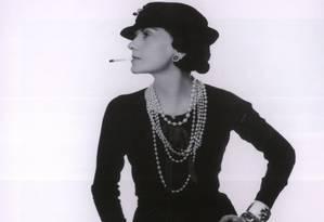 """Ícone. """"O mais importante é rejuvenescer a mulher"""", disse Chanel ao GLOBO, em 1957 Foto: Divulgação"""