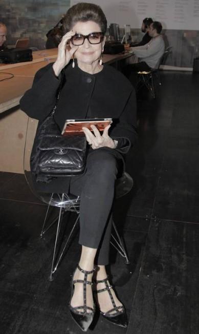 A empresária e consultora de estilo Costanza Pascolato gostou tanto do modelo que comprou 12 pares em variadas cores e tamanhos de salto. Eliaria Andrade / Agência O Globo