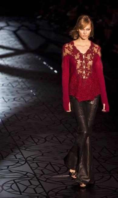 Modelo americada Karlie Kloss foi o grande destaque da Animale no primeiro dia de SPFW NELSON ALMEIDA / AFP