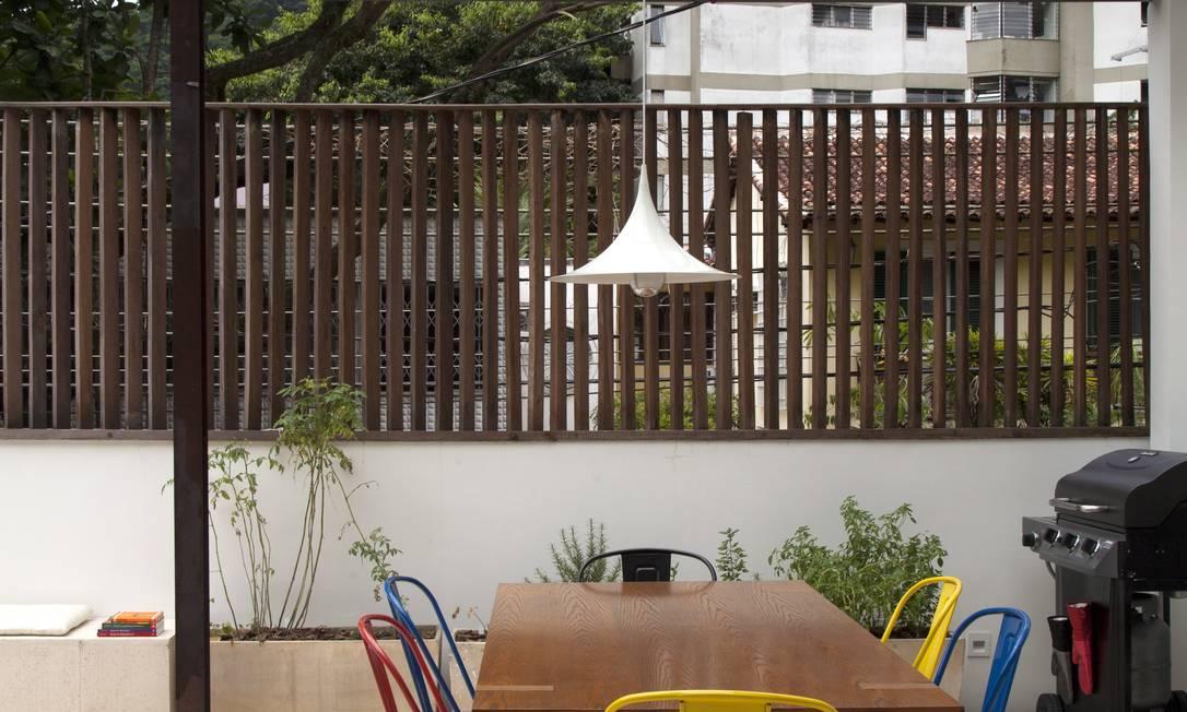 Modèle A no terraço-varanda assinado por Elaine Fachetti Divulgação
