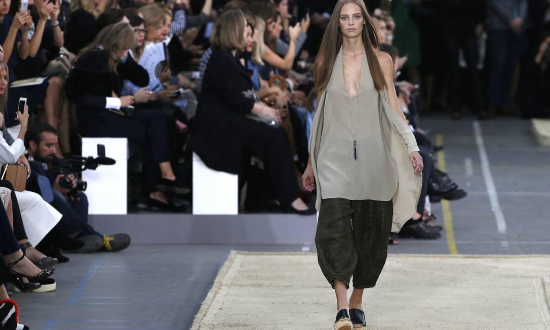 A Chloé fez um dos desfiles mais aguardados do sexto dia da Semana de Moda de Paris FRANCOIS GUILLOT / AFP