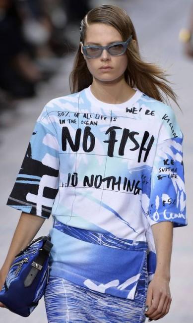 O tom político ficou por conta da estampa com protesto contra a pesca predatória MIGUEL MEDINA / AFP