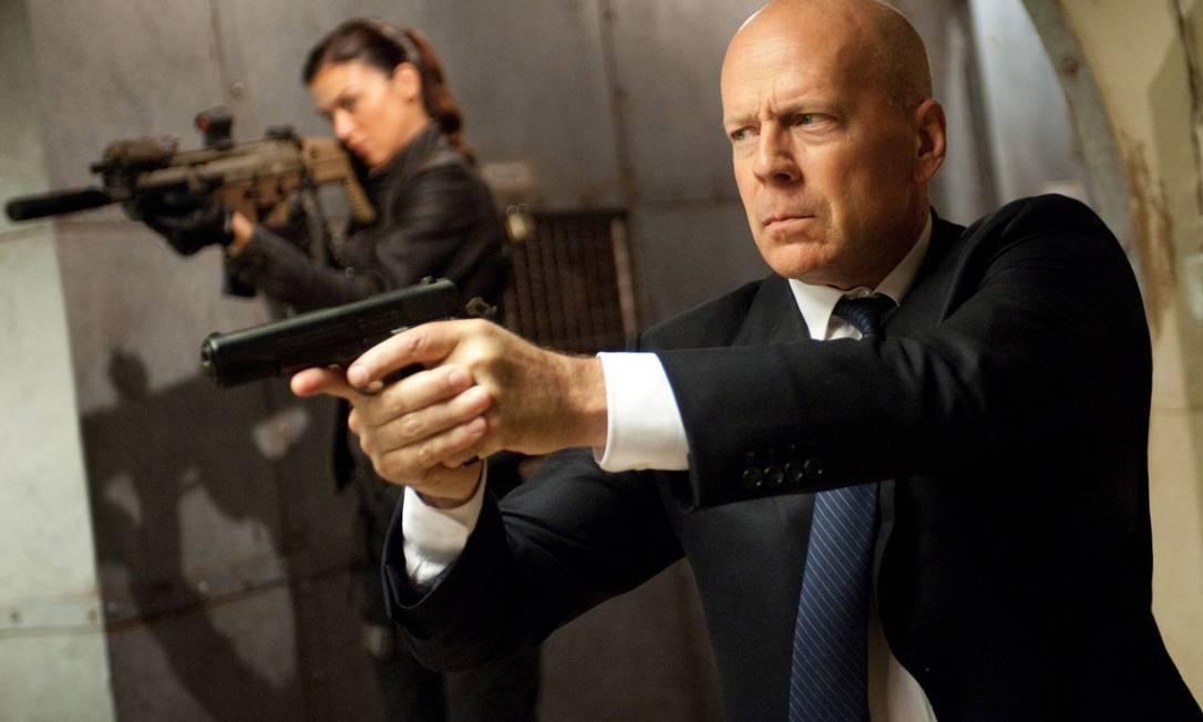 ... assim como Bruce Willis, que é quase sessentão: o ator tem 58 anos Terceiro / DIVULGAÇÃO