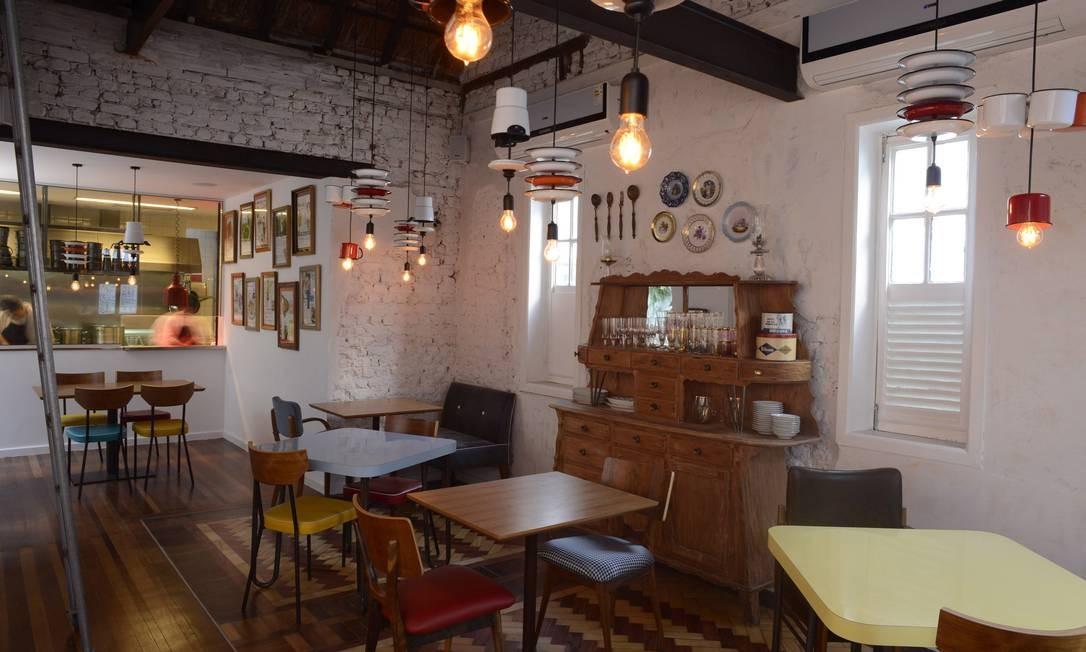A decoraç u00e3o simples e inusitada de alguns restaurantes Jornal O Globo # Decoração Simples Para Mesa De Restaurante