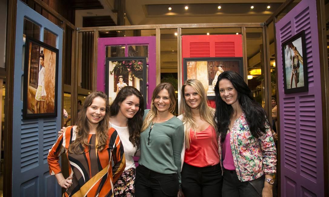 Flávia Menezes, Juliana Brigagão, Natália Cosate, Camila Martins e Jini Nogueira Paula Giolito / Agência O Globo