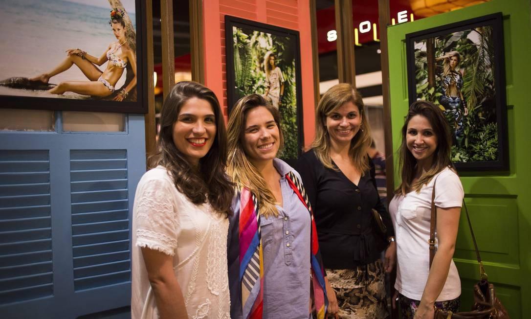 Barbara Cavalcante, Mailee Monteiro, Viviane Soares e Livia Abrão Paula Giolito / Agência O Globo