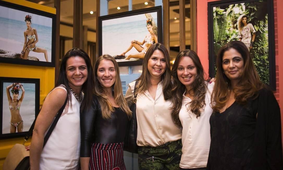Vania Pacheco, Andressa Amaral, Mônica Monnerat, Carla Montenegro e Helga vianna Paula Giolito / Agência O Globo