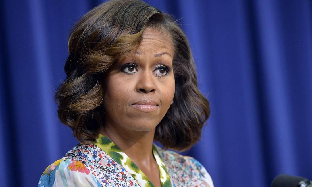 Na terça-feira, a primeira-dama surgiu sem a franja e com alguns fios mais claros JEWEL SAMAD / AFP