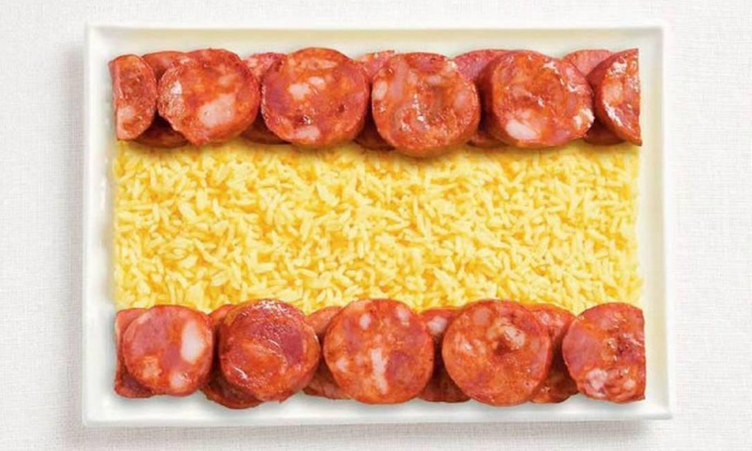 Paio e arroz formam a bandeira da Espanha Divulgação / WHYBIN\TBWA