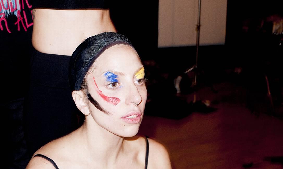 Gaga no teste de maquiagem Reprodução/ Tumblr