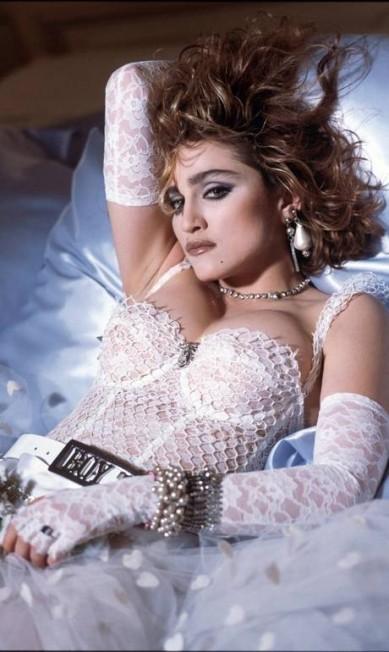 """O vestido de noiva de """"Like a Virgin"""", da década de 1980, é um dos looks mais emblemáticos da trajetória de Madonna Agência O Globo"""
