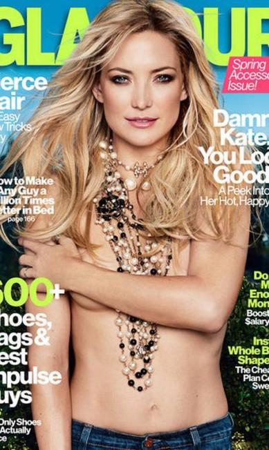 """Kate Hudson de topless na edição de abril da """"Glamour"""" vendeu 323.810 cópias. Anne Hathaway, musa de janeiro, ficou em segundo lugar com 306.428. Já Dakota Fanning, em março, não teve a mesma sorte e vendeu """"apenas"""" 289.205 exemplares Reprodução Glamour América"""