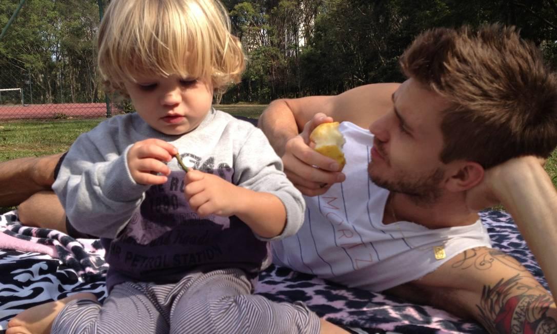 David Jensen com Anthony, de três anos Arquivo Pessoal