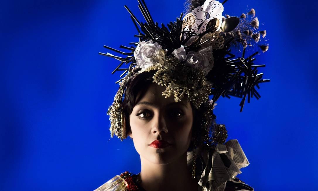 Segundo a atriz, o marido não influenciou a produção do novo CD VALKIRIA PERSILES / Divulgação