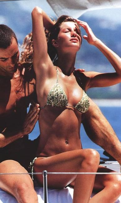 """Com Paulo Zulu, a top fez cliques ousados para a edição de maio de 200 da """"Vogue"""" americana Reprodução"""